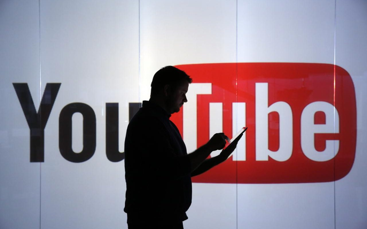 YouTube對抗Covid虛假信息和疫苗的戰爭