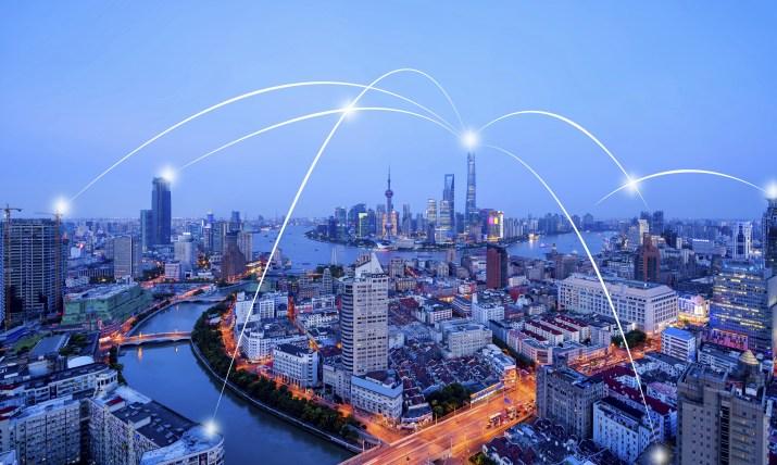 5G και η υπερ-συνδεδεμένη πόλη: ουτοπίες και δυστοπίες