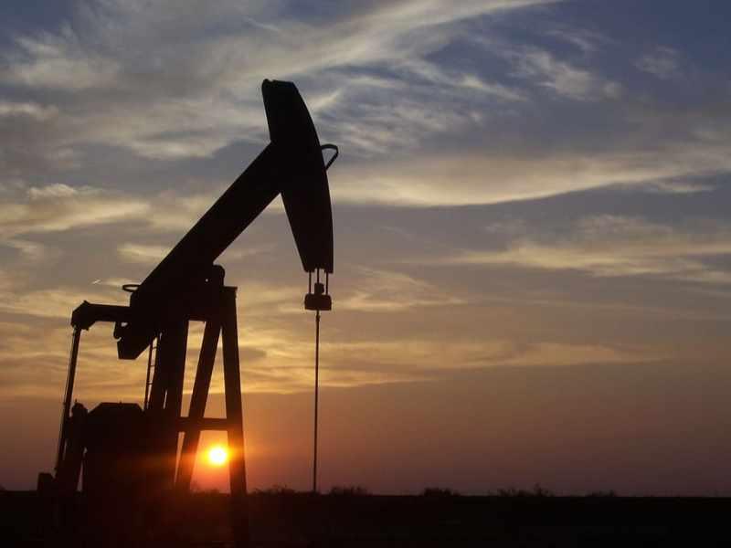 Потому что цены на нефть стремительно растут