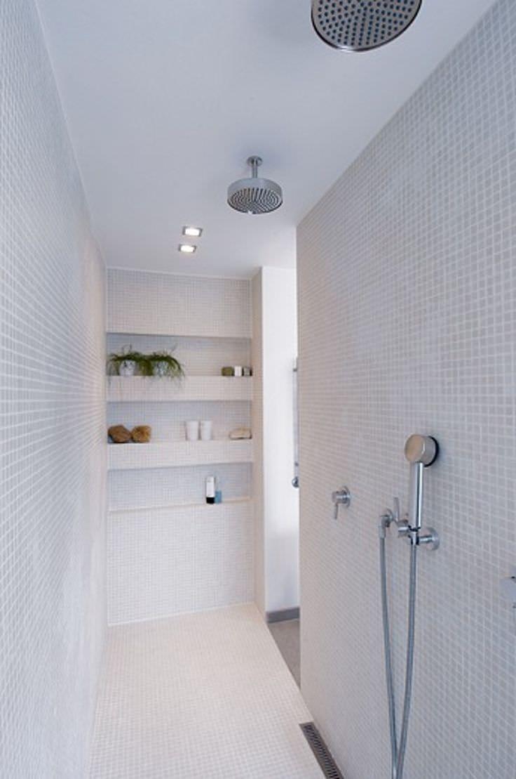 Bagno con pavimenti e rivestimenti in mosaico  100 idee