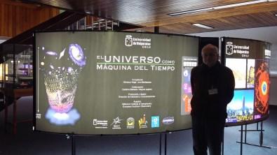 Dr. Nikolaus Vogt profesor de la Universidad de Valparaíso y creador de esta nueva exposición itinerante