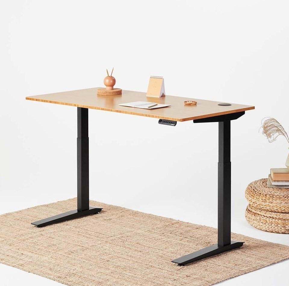 jarvis adjustable standing desk review start standing. Black Bedroom Furniture Sets. Home Design Ideas