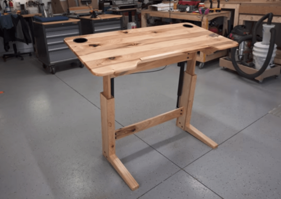 Engineer Your Own Hardwood Standing Desk - Guide to DIY standing desks