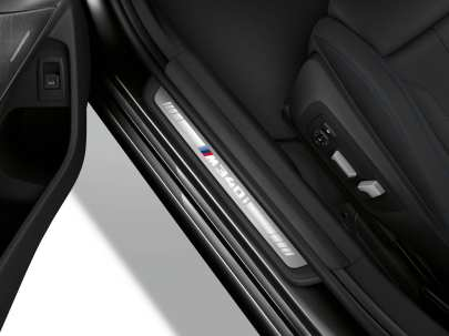 P90329419_highRes_the-all-new-bmw-3-se