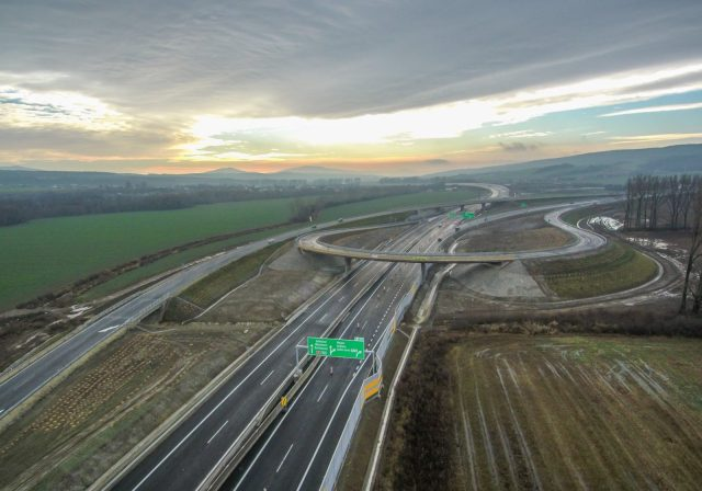 Slovensko je jednou z krajín s najnižším využívaním áut, pričom ich máme najradšej