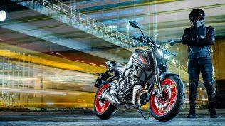 2021-Yamaha-MT07-EU-Storm_Fluo-Static-009-03