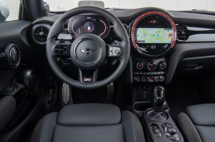 92-mini-jcw-anniversary-official-images-dashboard