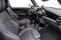 93-mini-jcw-anniversary-official-images-cabin