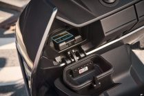 P90428726_highRes_the-new-bmw-ce-04-th