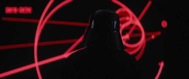 En na de title card dan eindelijk een shot waar we al maanden op wachten. Darth Vader! Uiteraard gepaard met zijn iconische ademhaling.