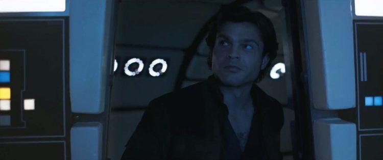 En zien we hier dan een iconisch moment? De allereerste keer dat Han Solo de cockpit van de Millennium Falcon binnen loopt?