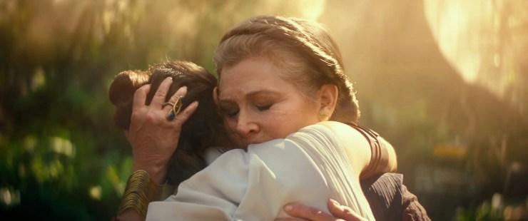 Dan het shot van Rey en Leia dat we in de vorige teaser ook kregen. Terwijl Luke in voice over zegt dat het confronteren van angst het lot van een Jedi is.