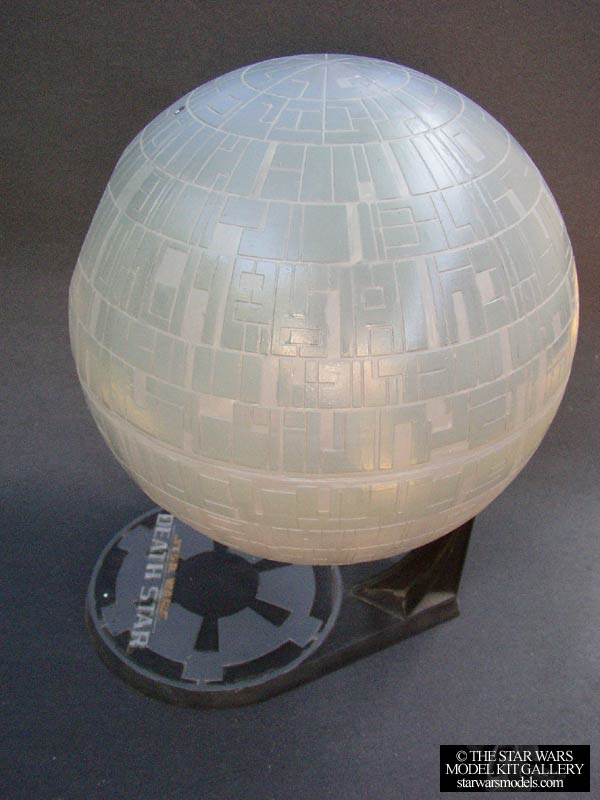 Death Star 1520000 Plastic AMTERTL Model Kit  starwarsmodelscom  The Star Wars Model Kit