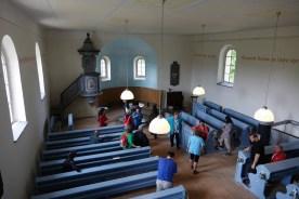 Uvnitř evangelického kostelíku
