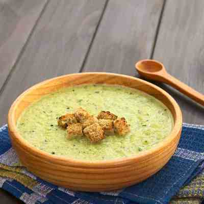 Quick budget friendly creamy zucchini soup