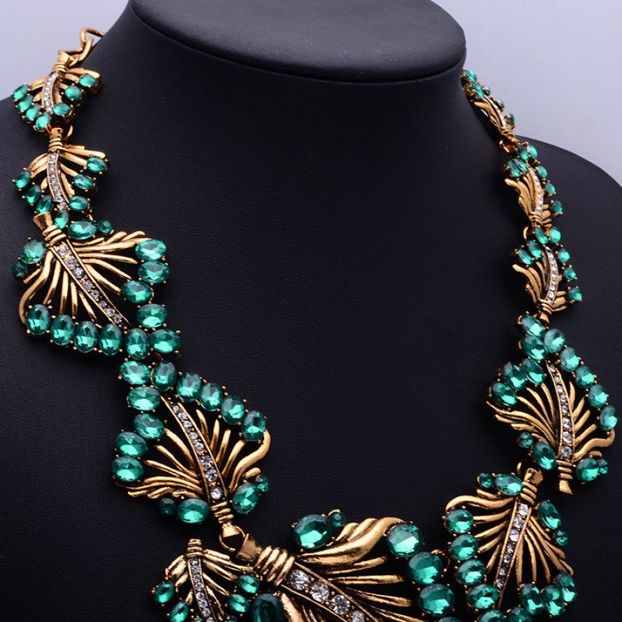 Emerald Green Stone Laurel Bib Statement Choker Necklace