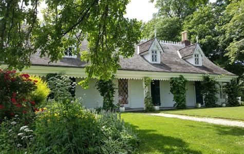 exterior of Alice Austen House