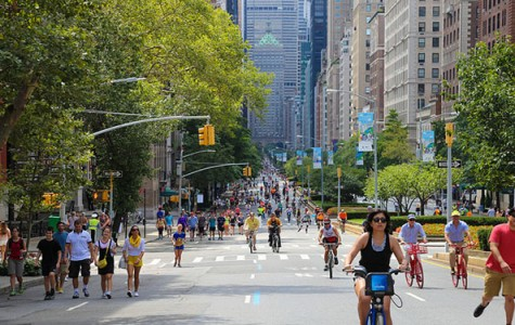 Guests bike, walk, run, and roller blade on car-free park avenue