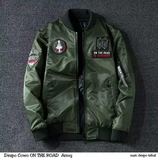 https://i0.wp.com/www.static-src.com/wcsstore/Indraprastha/images/catalog/full//99/MTA-9643293/oem__jaket_bomber_pria_on_the_road_bomber_jacket__full05_i32natgr.jpg?resize=662%2C662&ssl=1