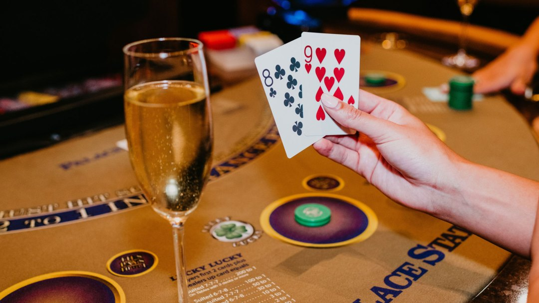 Blackjack 8 and 9 Hand with Champaign