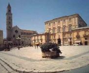 Piazza del Colle (fonte: romanazzi.it)
