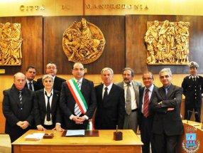 La nuova Giunta del Comune di Manfredonia (image Comune-Mf)