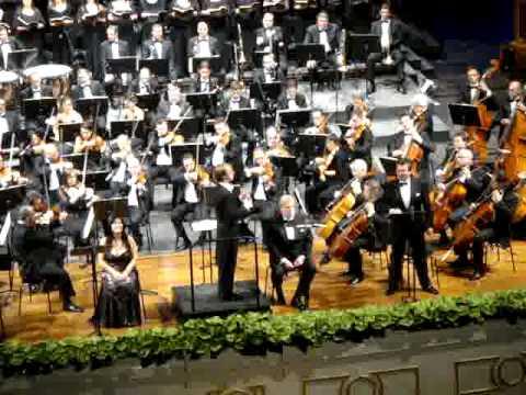 Teatro Petruzzelli, opera (immagine d'archivio)