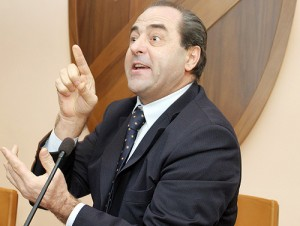 Il leader dell'Idv Antonio Di Pietro (torrenormanna.com)