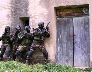 Irruzione in casolare, squadrone eliportato Cacciatori (immagine d'archivio)