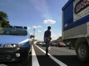 Controlli Polstrada dopo incidente ad eritreo