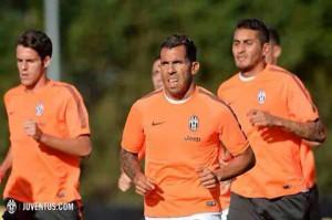 Lorenzo Granatiero, in allenamento con la Juventus (ph: juventus.com - from Facebook)