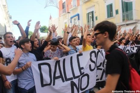 Una passata manifestazione contro l'installazione del deposito gpl Energas (AST)