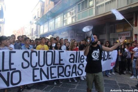 Passata manifestazione No Energas a Manfredonia (03.10.2015)