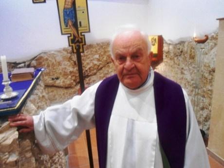 Don Michele Nasuti parroco della Parrocchia Sacra Famiglia