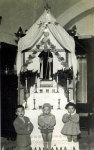 1953. Altarino devozionale in onore di Sant'Antonio Abate in casa di Ciro Gelsomino