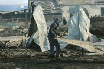 Incendio ghetto - ph vincenzo maizzi (archivio - 15.02.2016)