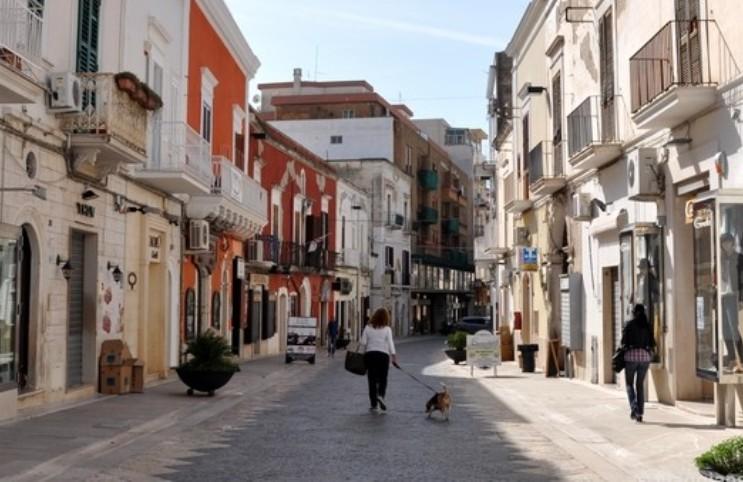 """Manfredonia. La voce di Ilaria """"Dov'è la mia città?"""" - StatoQuotidiano.it"""