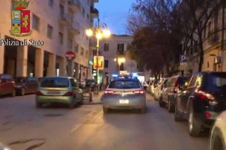 arresti per furti negozi e abitazioni (9)