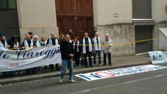 """Passata manifestazione """"No Energas"""" fuori il Mise di Roma"""
