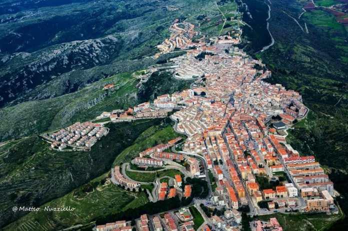 Monte Sant'Angelo vista dall'alto- foto di Matteo Nuzziello