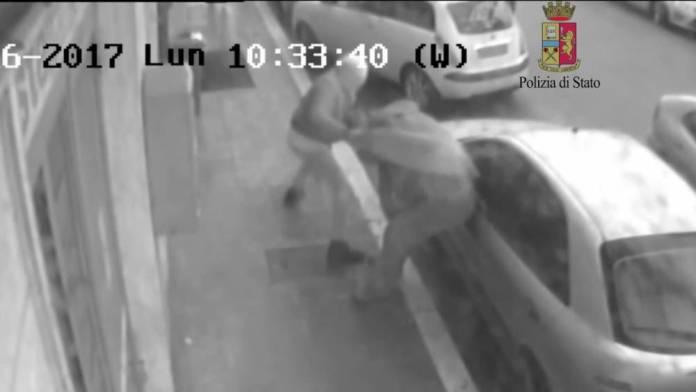 Manfredonia, rapina da 18mila euro a commerciante: 2 arresti (FOTO- II)