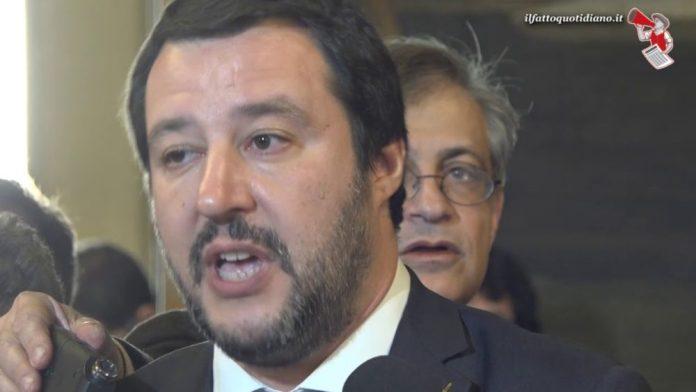 Salvini, prove tecniche di 'grillismo'