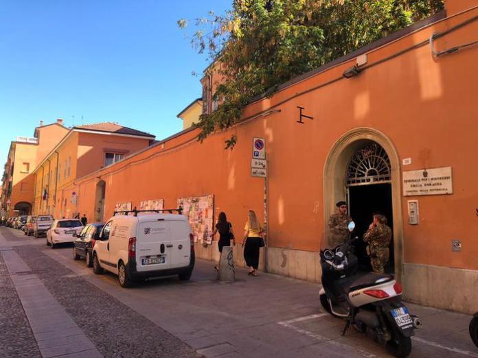 Tribunale per i minorenni di Bologna (ph ANSA)