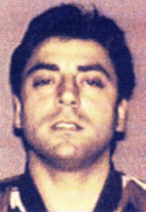 """CALI' Frank, nato a New York, di 43 anni, è ritenuto un """"uomo d'onore"""" emergente della """"famiglia"""" mafiosa GAMBINO dell'organizzazione """"Cosa nostra"""" americana."""