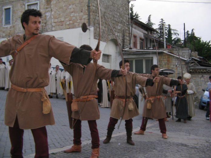 Orsara arcieri corteo storico