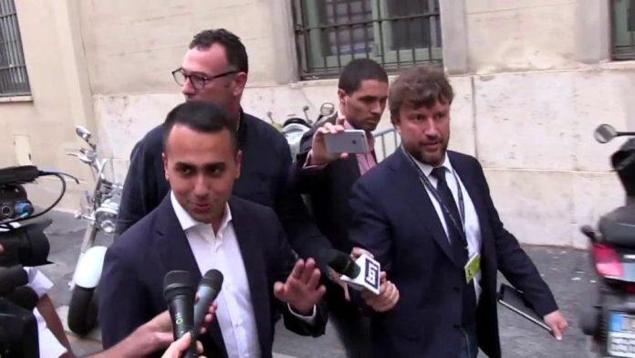 Vertice tra Salvini e Conte, Di Maio resta nel suo ufficio