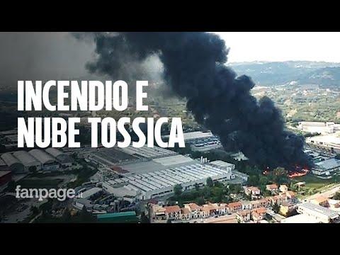 Incendio Avellino, le fiamme distruggono fabbrica