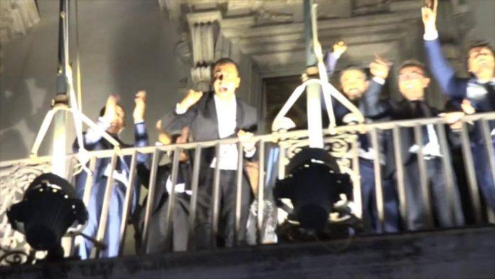 Un anno fa: ok manovra, ministri M5S esultano dal balcone di Chigi
