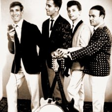 1964-Fulda - Il complesso -I Sipontino-di Ciro Ruggiero - con il cantante Luciano Gatta in tournèe in Germania-archivio Ciro Ruggiero