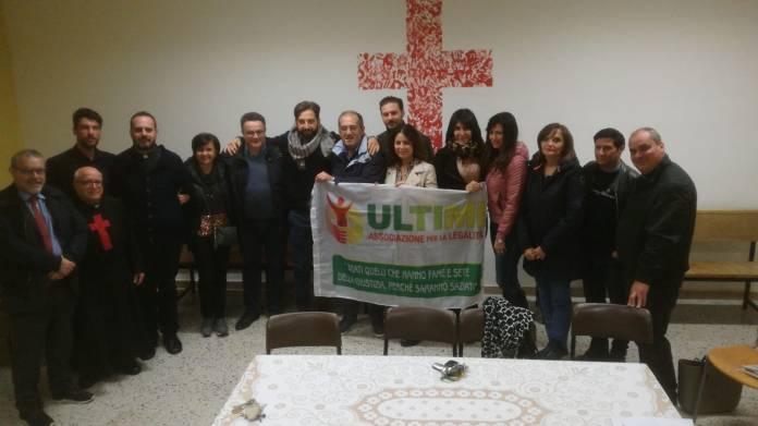 COMITATO, associazione Ultimi - Macchia